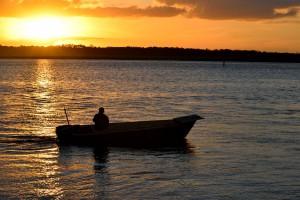 МЧС напоминает правила безопасного поведения на рыбалке