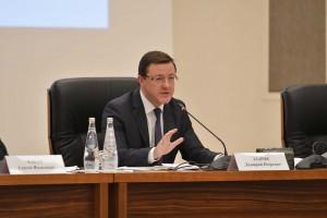 Дмитрий Азаров провел совещание по проблемным объектам долевого строительства