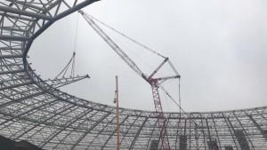 На стадионе «Самара-Арене» устанавливают козырьки над трибунами