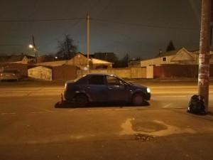 В Самаре на улице Мориса Тореза девушка за рулем Рено Логан сбила мужчину, переходившего дорогу