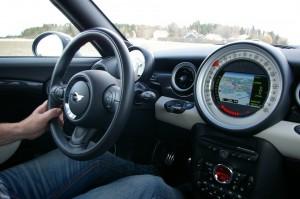 В Тольятти сотрудники ГИБДД задержали водителя с поддельными правами