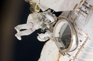 МКС находится на Земле: Известный уфолог Скотт Уоринг уверен, что НАСА обманывает людей