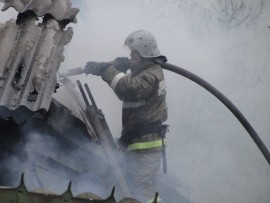 В Самара в поселке Чкалова горела кровля ангара
