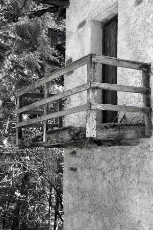 Суд обяза самарчанку снести самовольно возведенный балкон