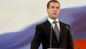 «Это исключительно важно для всех граждан нашей страны», — Медведев объявил о начале роста реальных доходов россиян вопреки Росстату