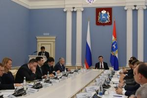 Дмитрий Азаров провел совещание с товаропроизводителями региона