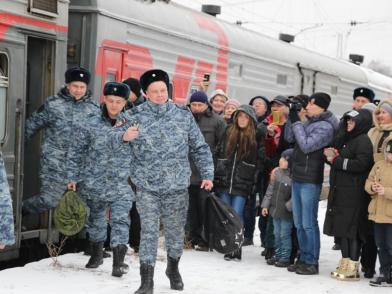 Сводный отряд самарских полицейских вернулся из полугодовой командировки в Чеченской Республике