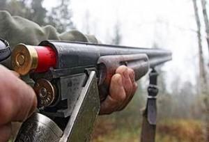 Сотрудники Росгвардии в Самарской области проверяли оружие у охотников