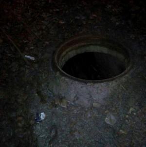 Сызранка чудом поймала трёхлетнюю дочь на краю открытого колодца