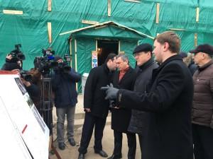 Дмитрий Азаров ознакомился с ходом ремонтных работ на «Фабрике-кухне» и в «Покровском соборе»