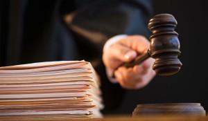 Правительство разрешило экономить на адвокатах