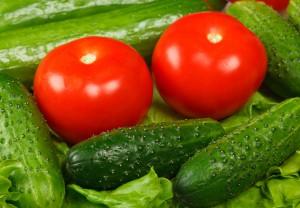 В Самаре подорожали свежие огурцы и помидоры