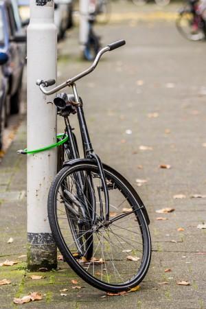 В Самаре 15-летний школьник взял покататься чужой велосипед и бросил его в подъезде дома