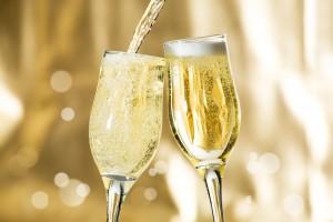 Продажа шампанского на Новый год в РФ может стать круглосуточной