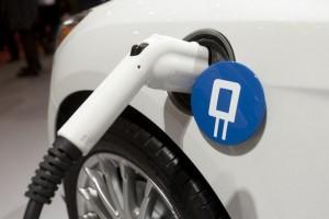 Автомобилисты на электрокарах должны получить существенные преференции