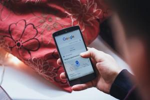 ФАС пришла к заключению, что «Яндекс» и Google могут влиять на выдачу результатов по поисковым запросам «в ручном режиме»