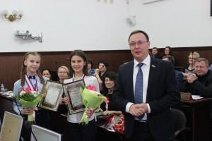 Заседание тольяттинского парламента 6 декабря началось с награждения