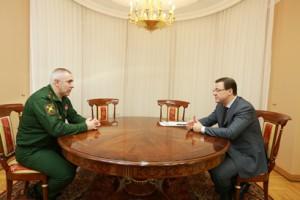 Дмитрий Азаров провел встречу с новым командующим Второй Гвардейской Армии Рустамом Мурадовым