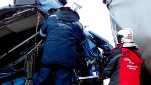 На месте ДТП с двумя грузовиками около села Уваровка работали спасатели