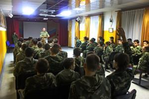 Офицеры самарского СОБРа Росгвардии провели патриотическое мероприятие для молодежи