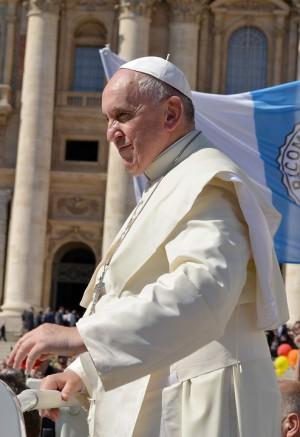 Папа римский Франциск предложил изменить текст молитвы «Отче наш»
