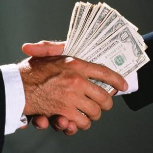 ООН посчитала общую сумму взяток в мире за год