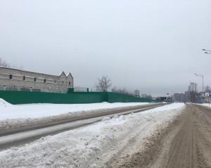 На улице Луначарского убрали дорожные ограждения и строительный мусор