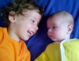 В области установлен размер ежемесячной денежной выплаты на третьего и каждого последующего ребенка