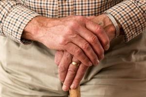 Ветеранам труда Самарской области, чья пенсия ниже 13,5 тыс. рублей, будет назначена ежемесячная социальная выплата