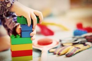 В Самаре запланировано открытие двух новых детских садов: информация о постановке ребенка в очередь и распределении свободных мест