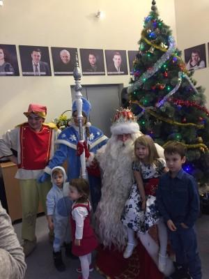 Главный Дед Мороз прибыл в Самару: первую Елку он зажигает в Театре Самарская Площадь для детей-инвалидов