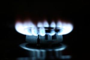 В самарской квартире двое взрослых и ребенок отравились угарным газом