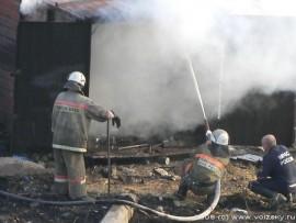 Сегодня в Самаре на Авроре горел частный автосервис и магазин автозапчастей