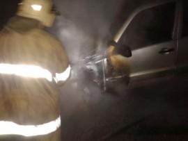 Ночью на ул. Ульяновской в Самаре сгорел автомобиль