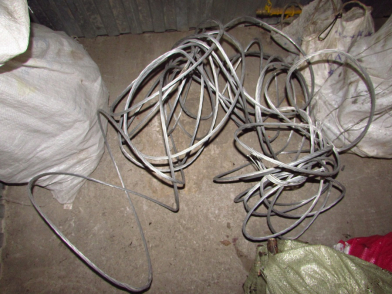 В Жигулевске мужчина похитил 1 000 метров алюминиевых проводов с линии электропередач